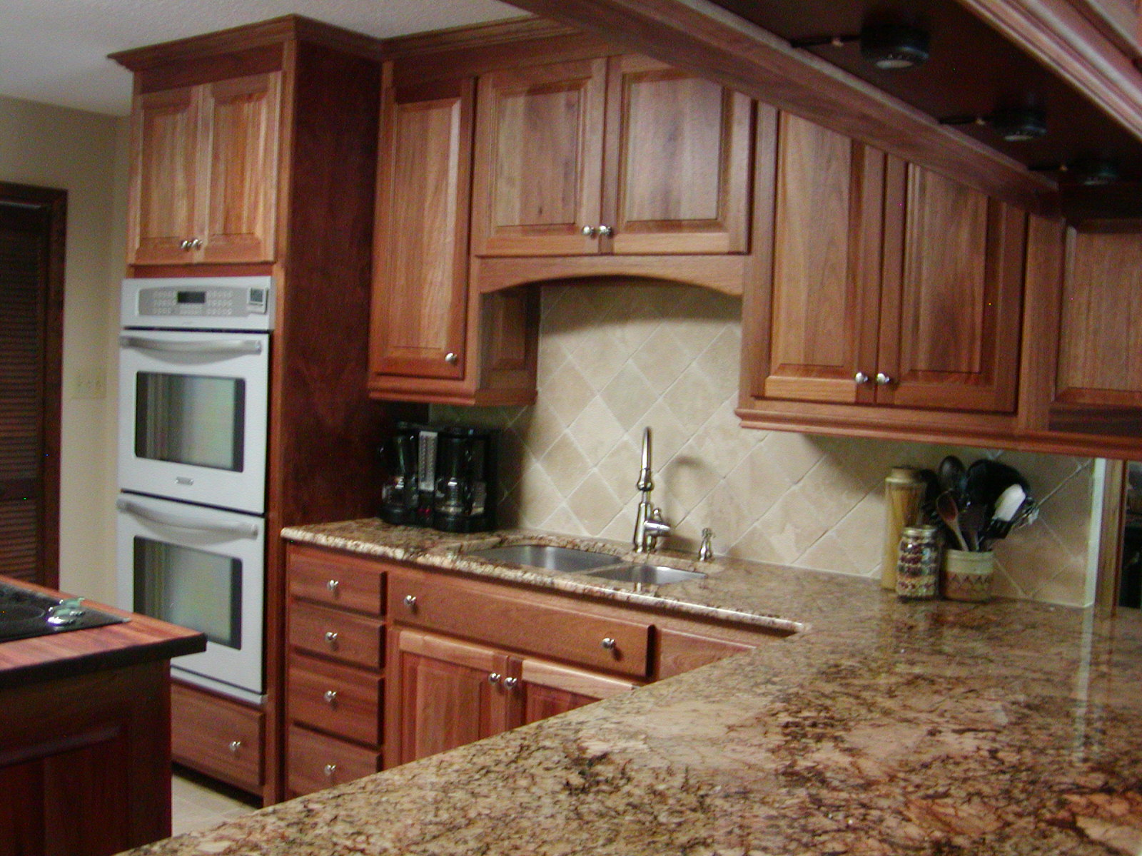 NATURAL MAHOGANY WOOD CABINETRY